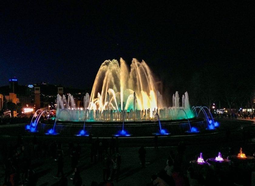 Lichtspiel des magischen Brunnen.
