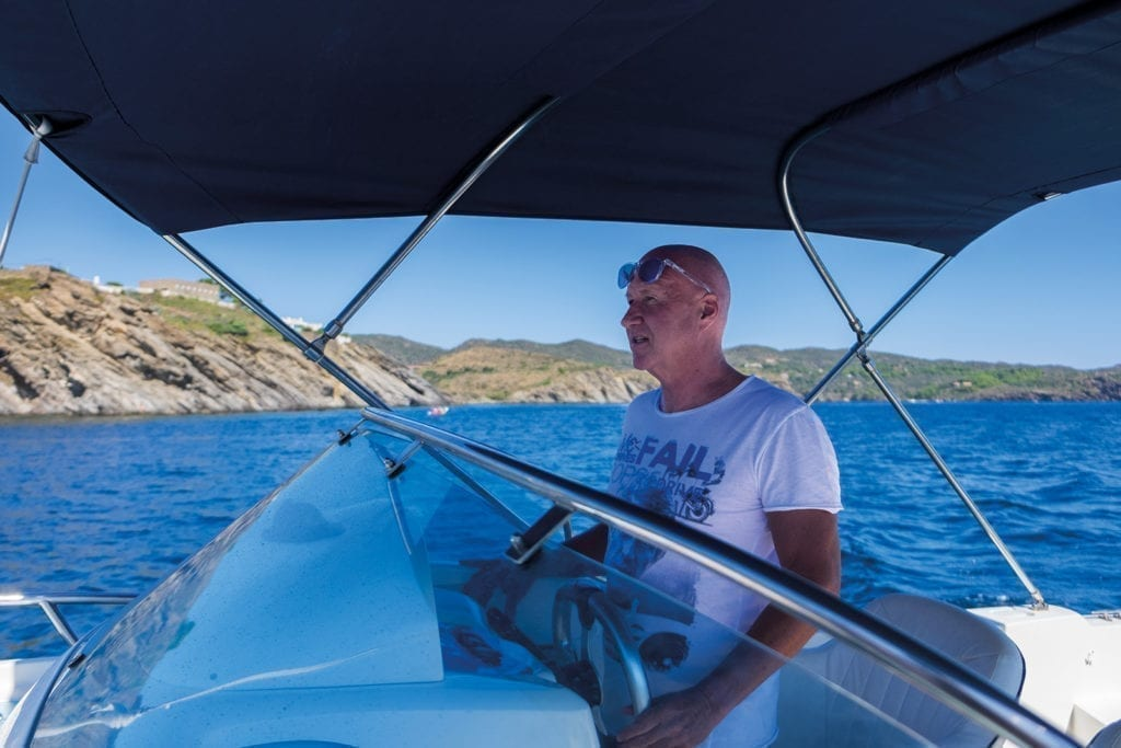 Le capitan Olli conduit bien le bateau.