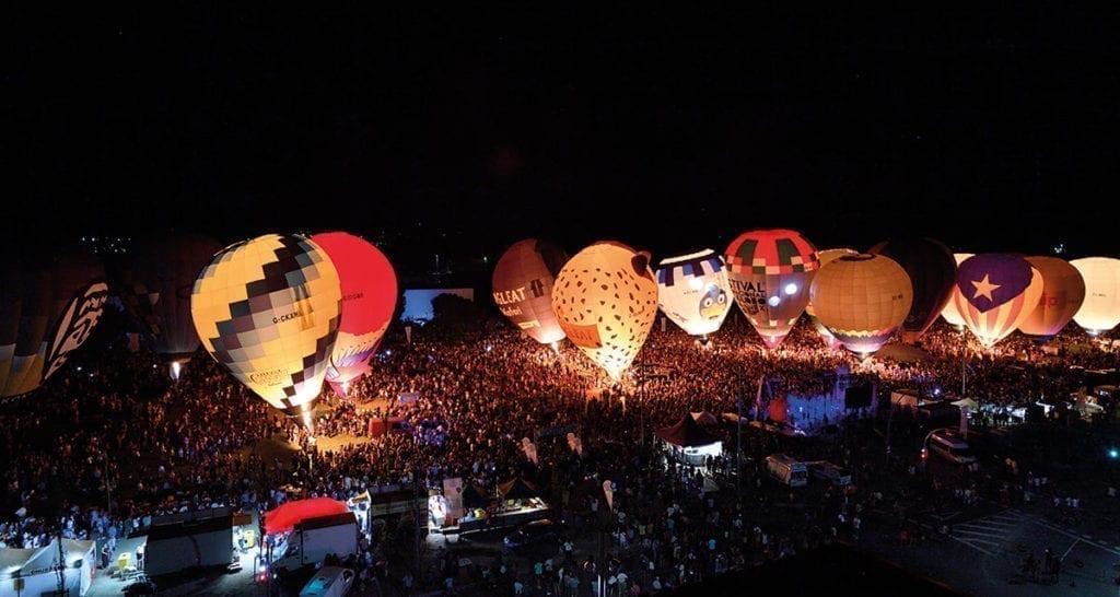 European Balloon Festival à la nuit