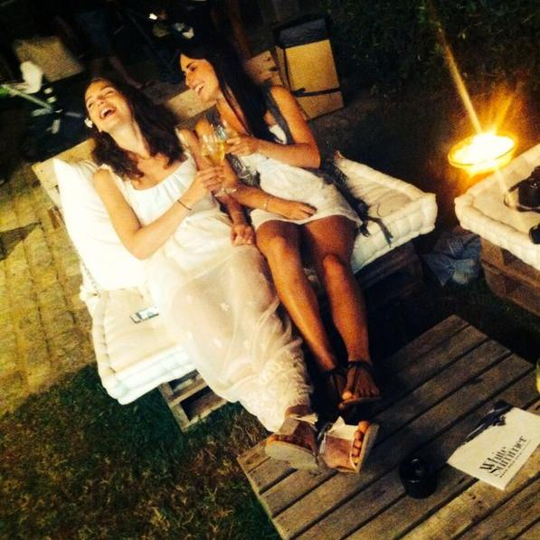 White-Summer-Lounge-Pals