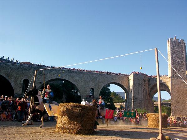 Mittelalterliche Sommerspektakel in Besalu
