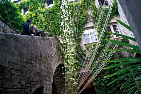 Girona schwelgt in einer Orgie von Farben ein Highligt an der Costa Brava