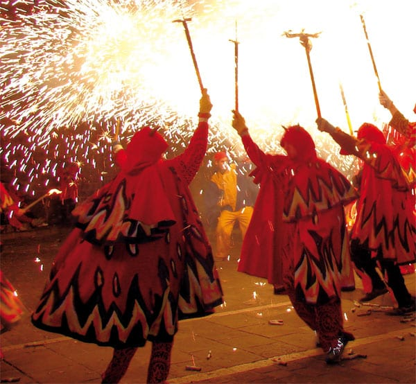 Spektakuläres Stadtfest in Barcelona mit vielen Veranstaltungen, Konzerten, Correfocs und BAM