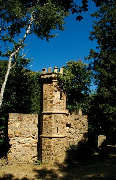 Wanderung zum Castell de Requesens