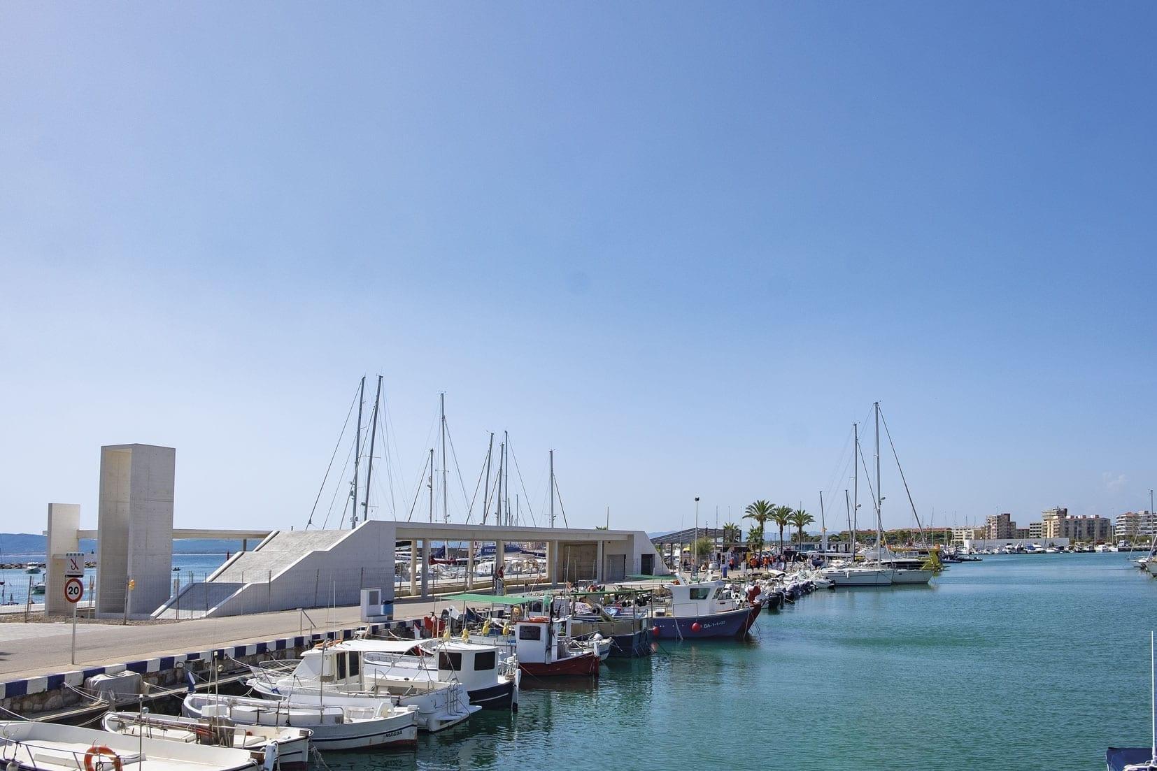 Der neue Hafen von l'Estratit