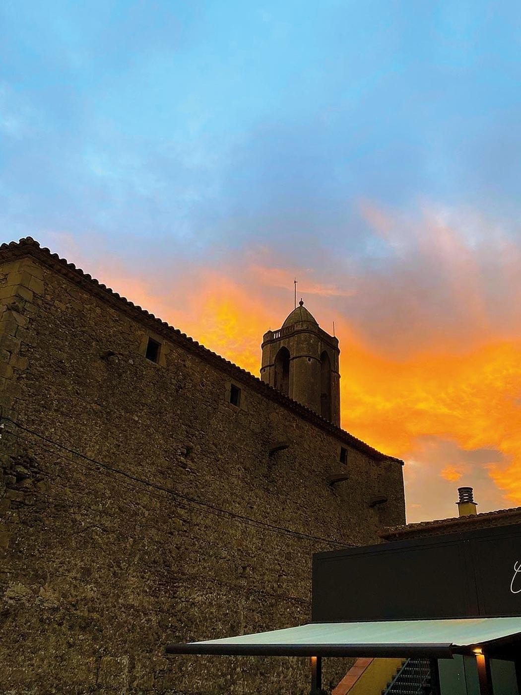 Schloss Puból, La Pera, Dalí Dreieck