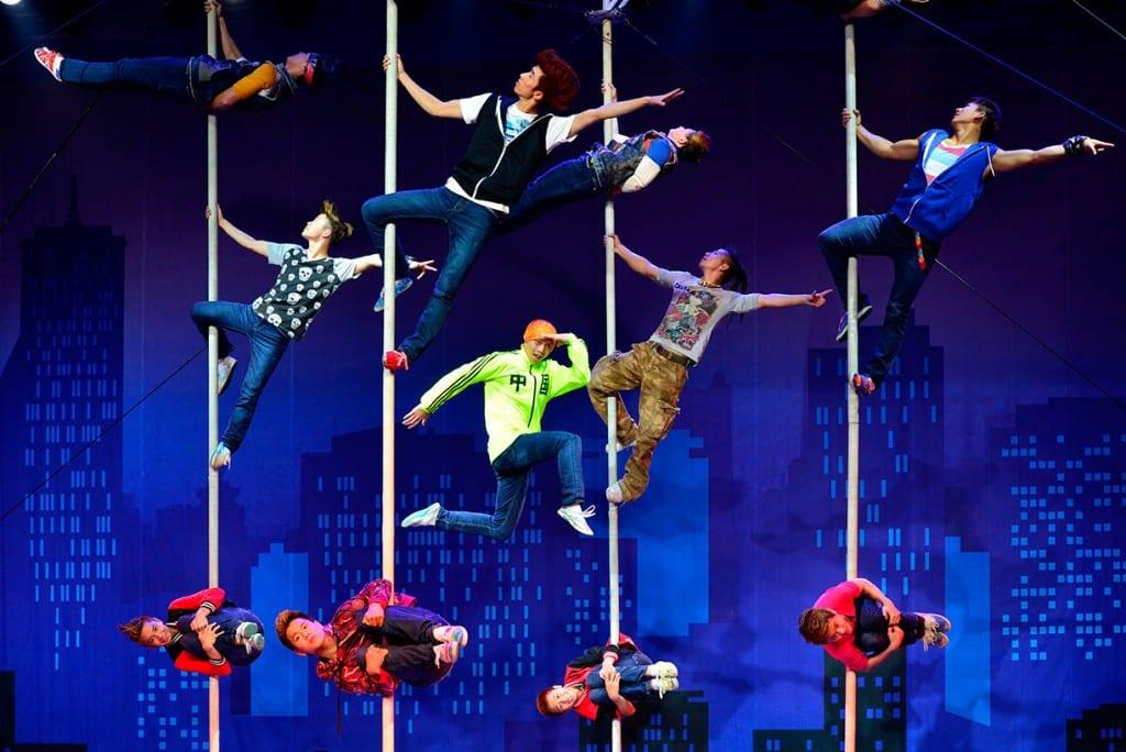 Akrobatik-Jungs-Zirkus