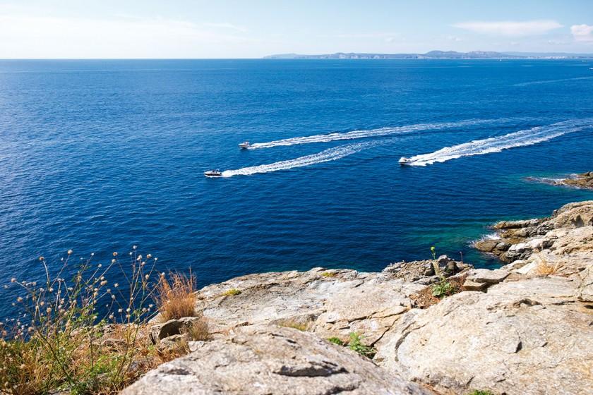 Herrlicher Blick von Punta Falconera bis zu den Medesinseln