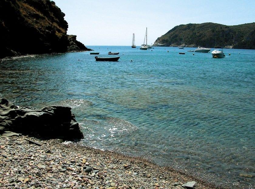 Die malerische Bucht Cala Conjols.