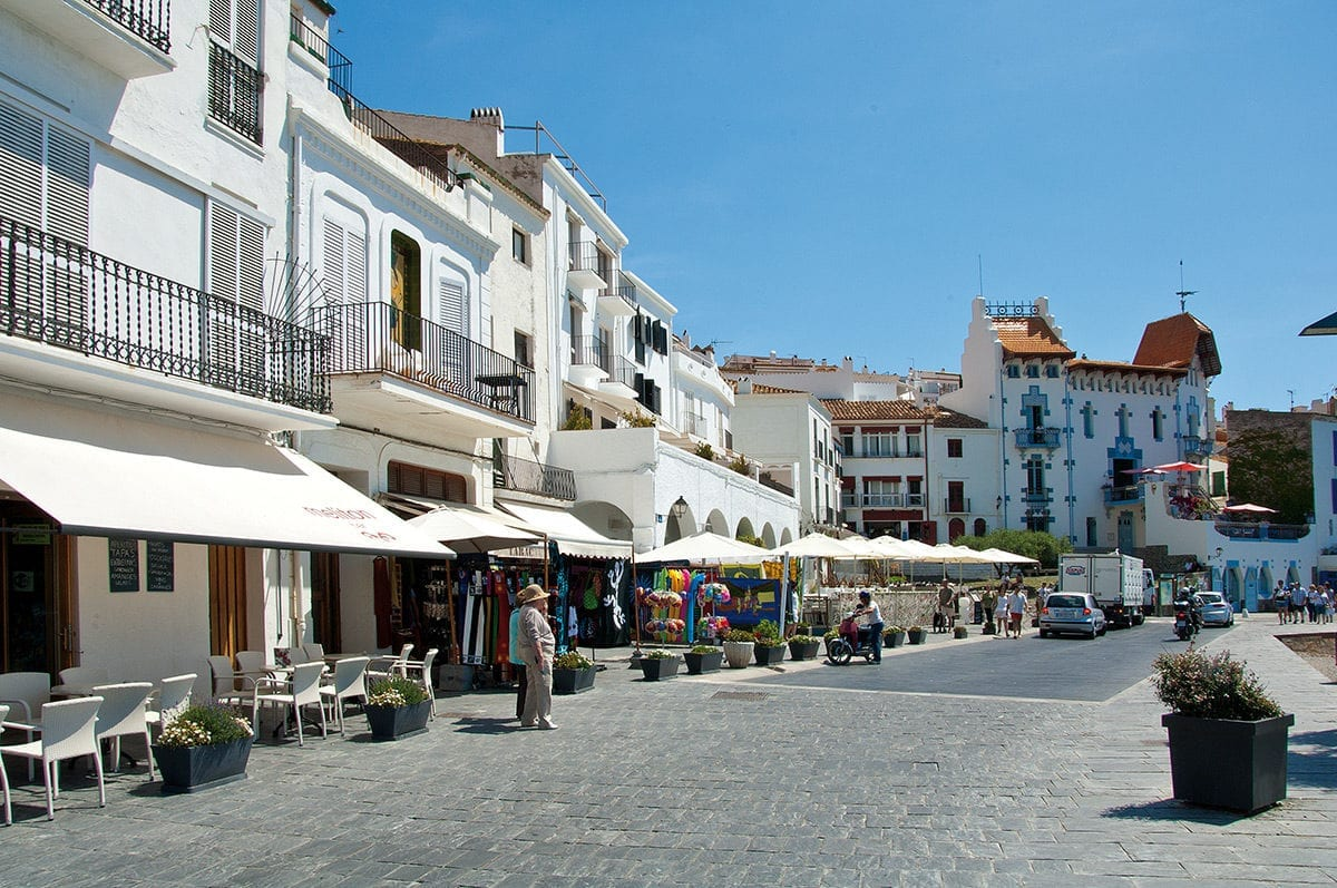 Die Uferstraße von Cadaqués