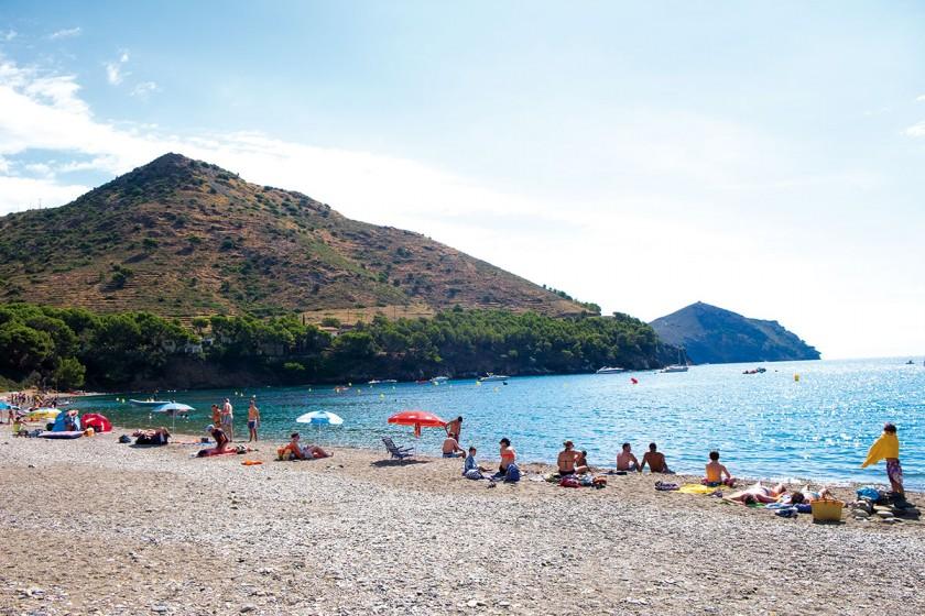 Badespaß für jung und alt - Strand von Cala Monjoi