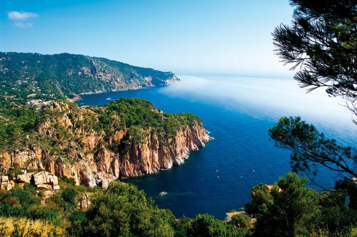Ein Blick aus des Gärten in Cap Roig.
