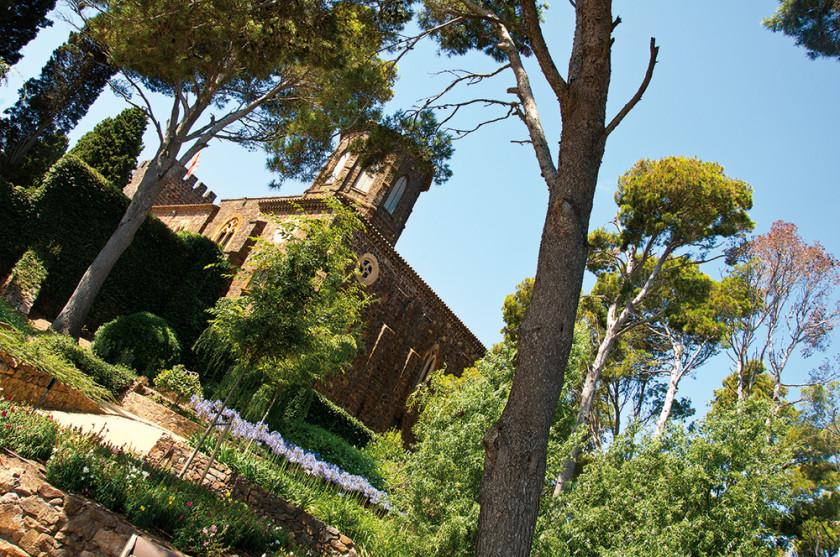 Ausblick auf das Schloss in den Gärten.