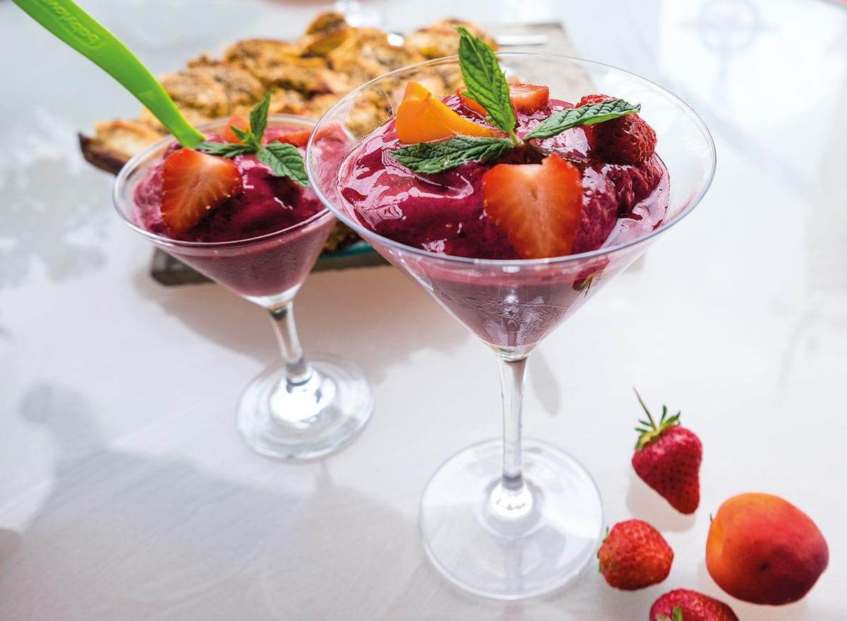 Beereneis mit Joghurt