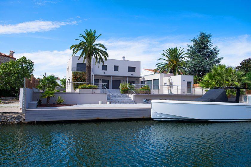 Modernes Wohnen in Empuriabrava am Mittelmeer in Spanien