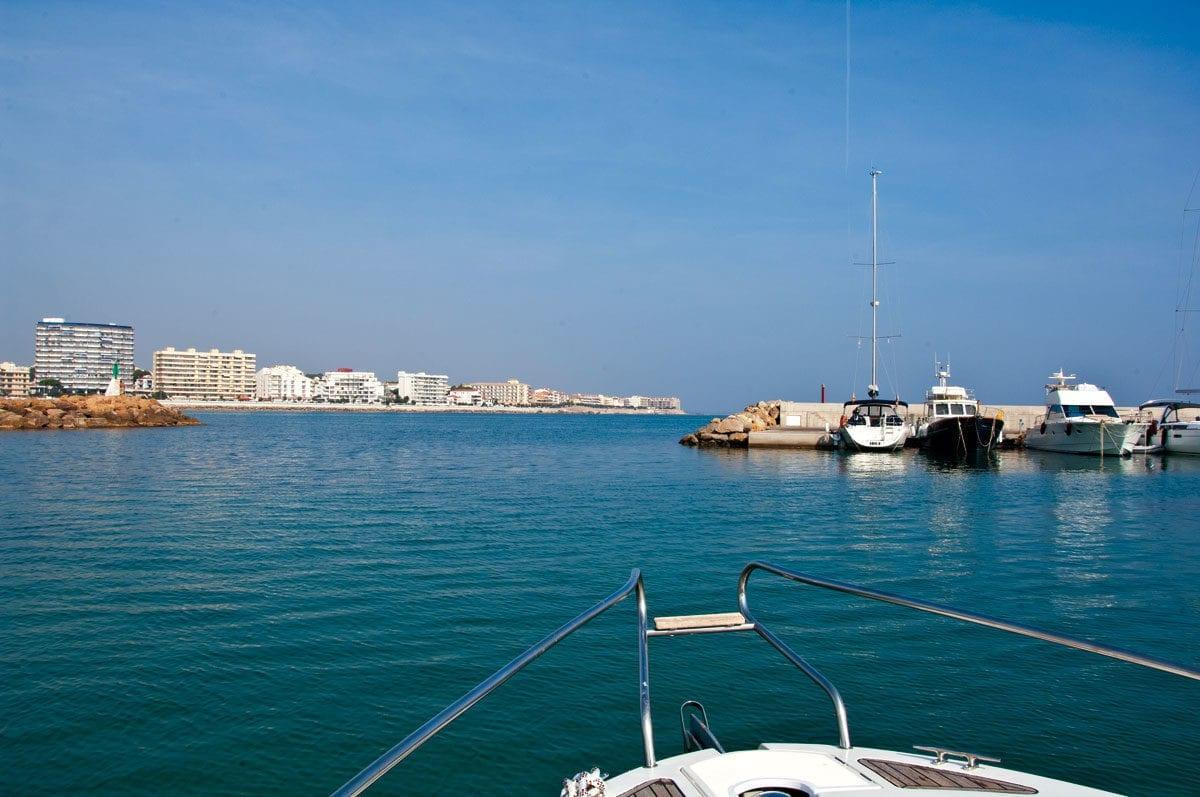 Boot im Hafen von L'Escala