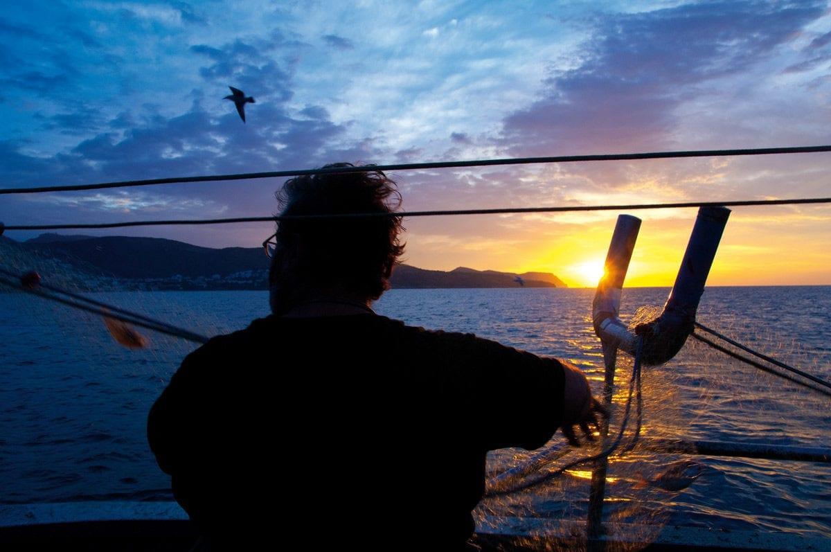 Fischerboot Roses Netz Sonnenaufgang