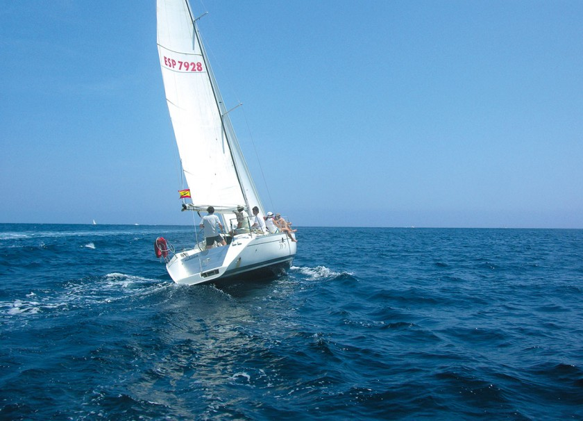 Segelboot auf dem Wasser