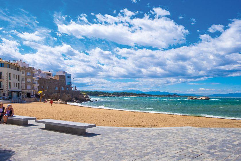 Strand in L'Escala