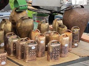 Glockenstand auf dem Markt von Espinavell
