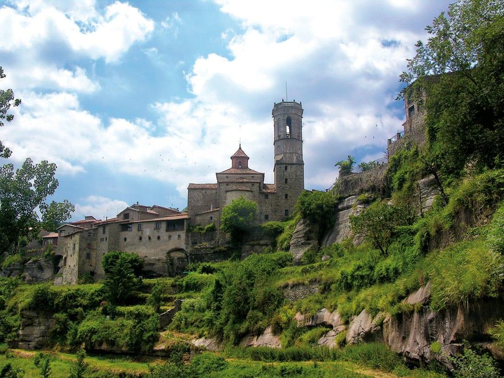 Das Dorf Rupit zählt zu den schönsten der Costa Brava.