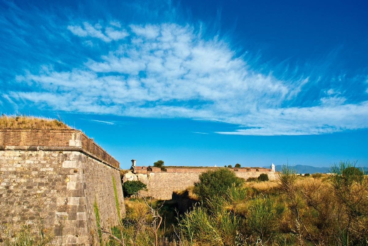 Die Festungsmauern der Festung