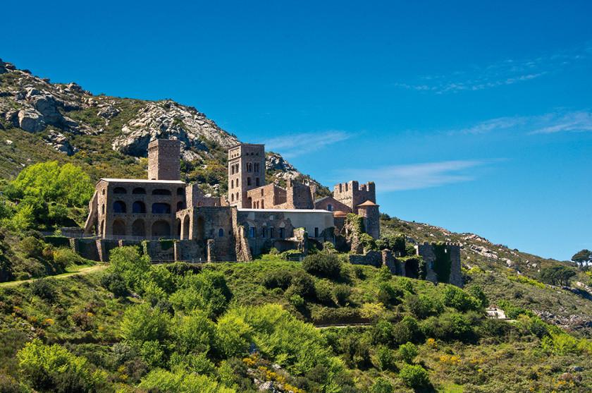 Spektakuläre Landschaft und alte Ruinen.