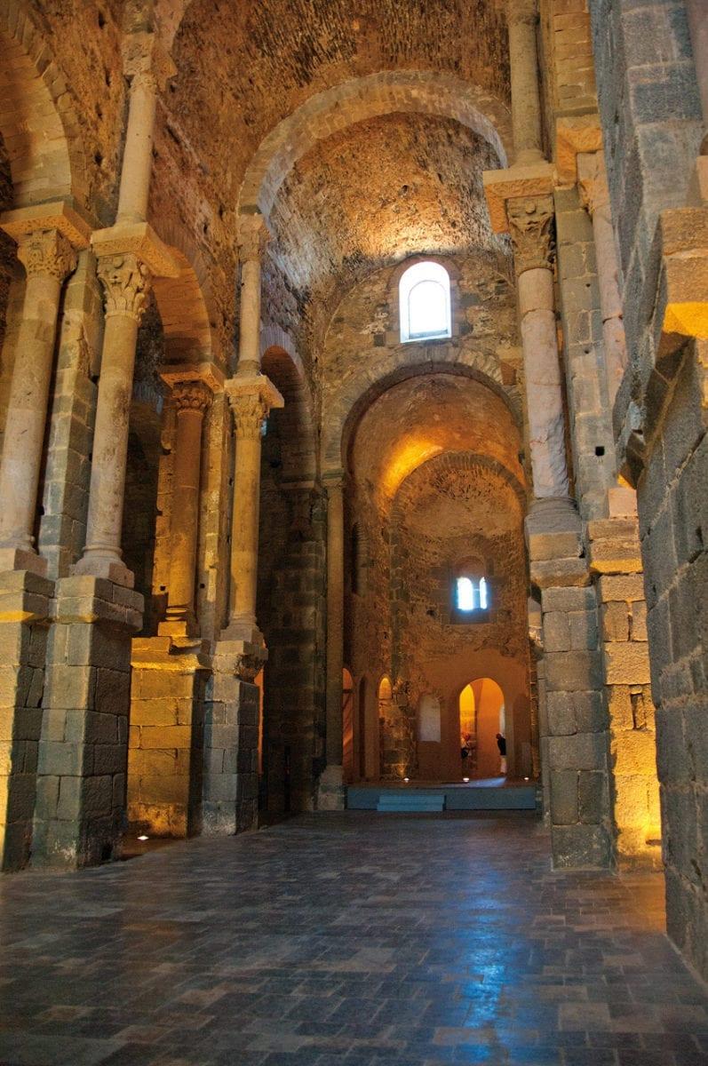 Sant Pere Rodes Kirchenschiff