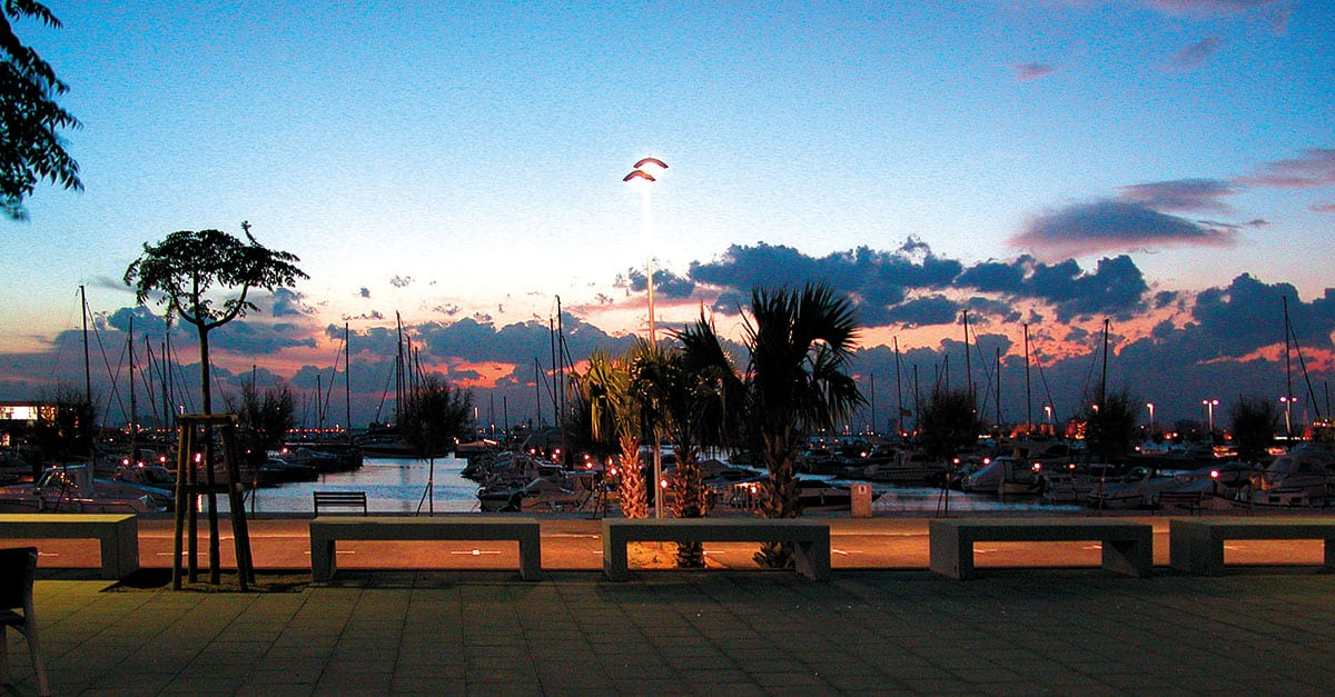 Sonnenuntergang sporthafen roses