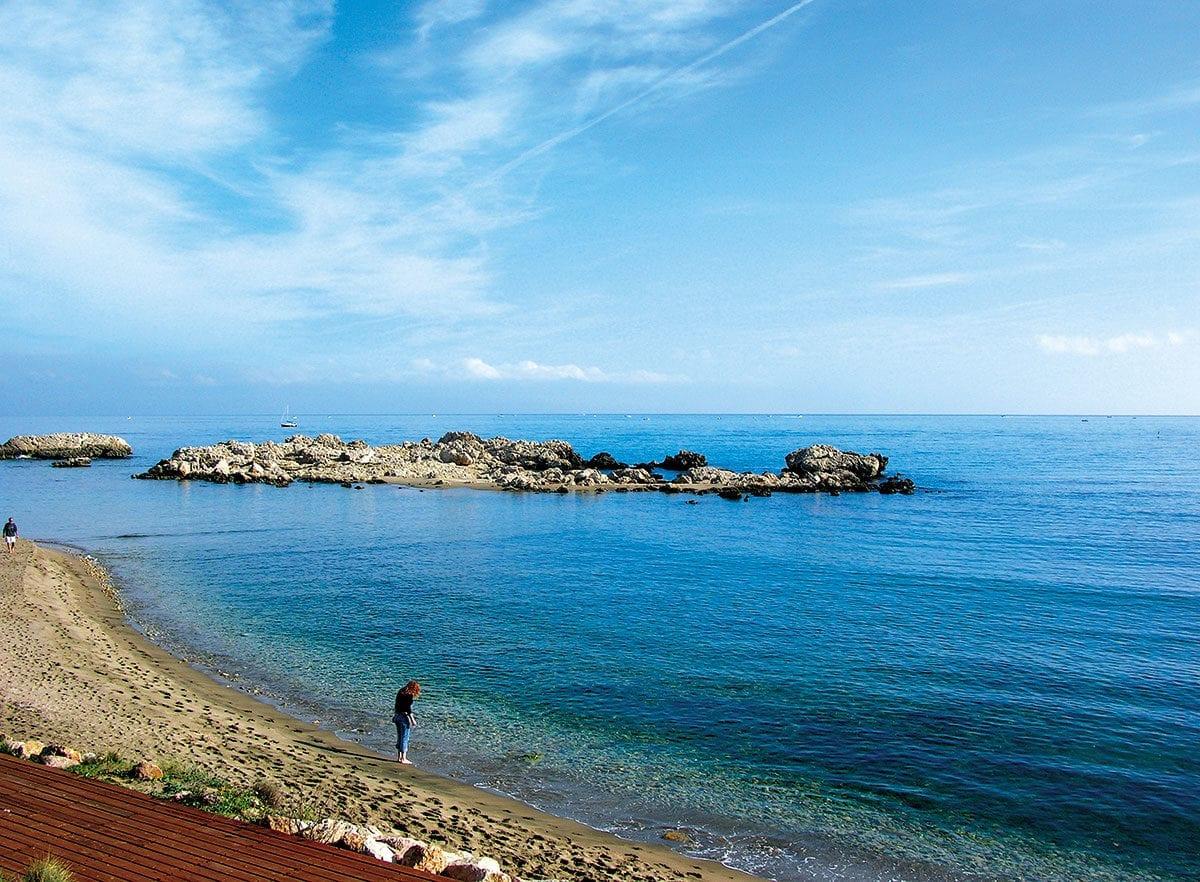 Strand zwischen Sant Marti und L'Escala