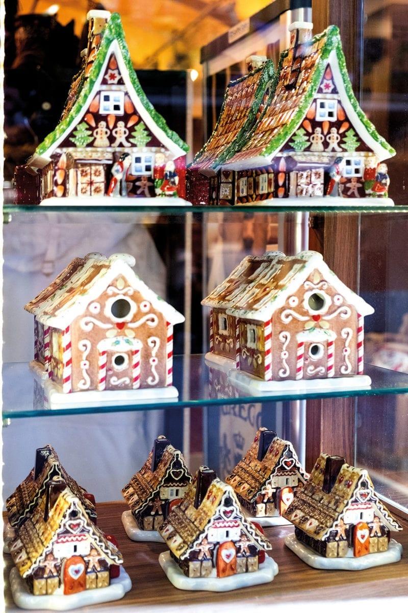 Lebkuchenhäuschen aus Porzellan