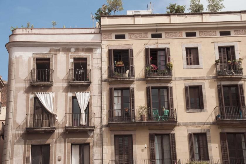 barcelona-trip-plaza-fassade