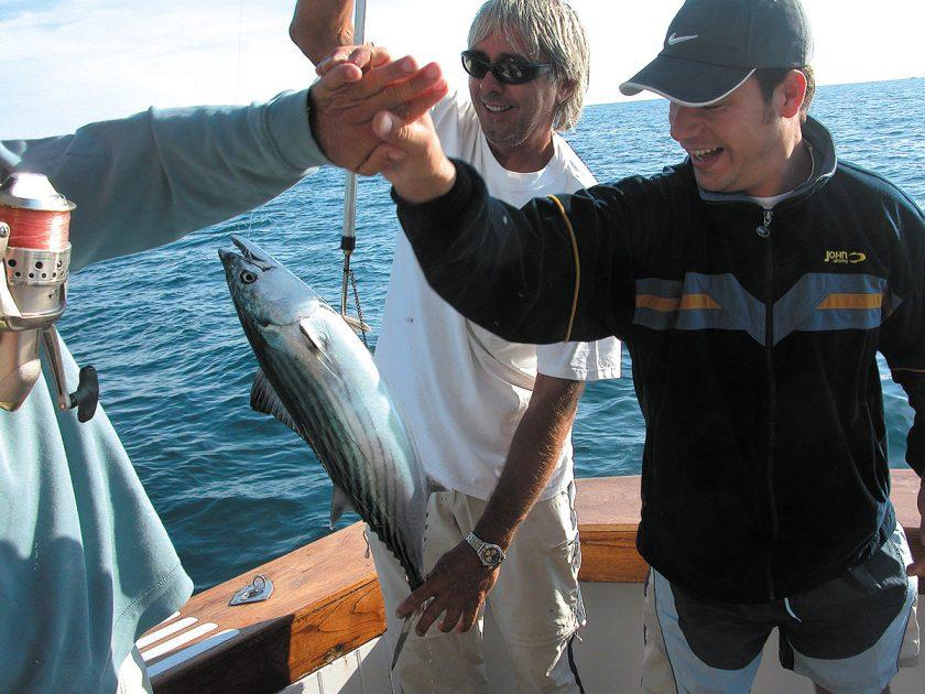 Anglerglück - der Fisch ist an Bord
