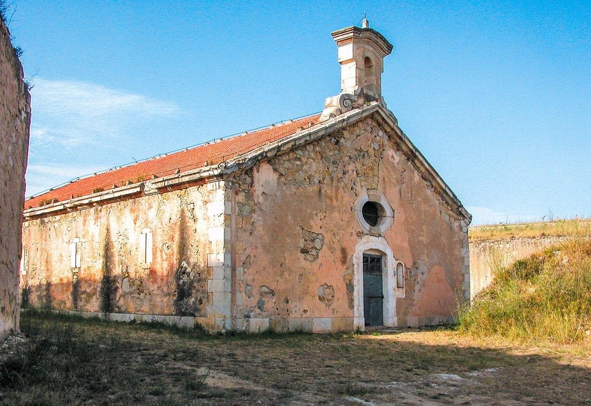 Die Kapelle auf dem Festungsgelände