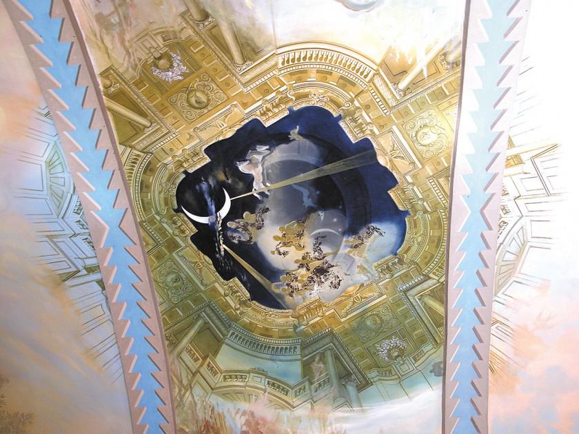 Deckengemälde von Salvador Dalí im Schloss Púbol