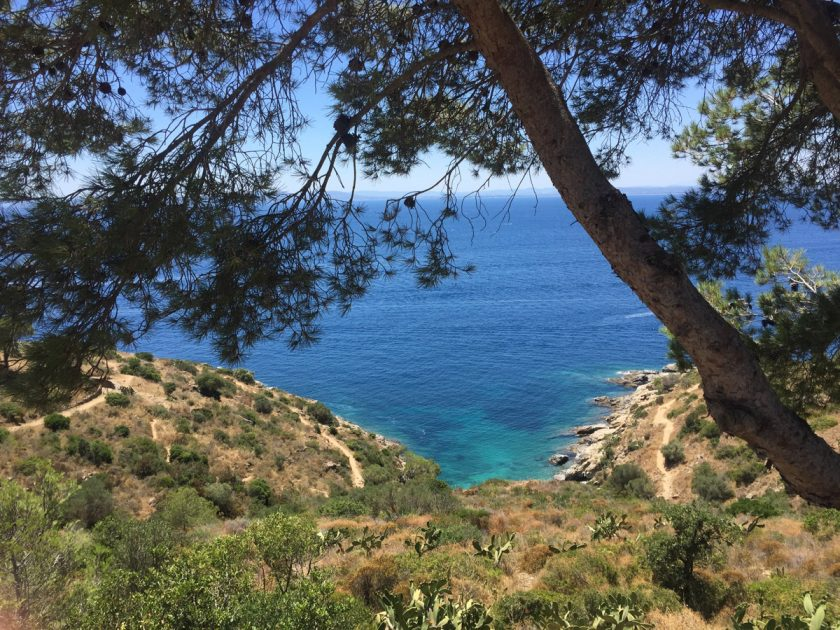Wandern: Ausblick auf das Mittelmeer