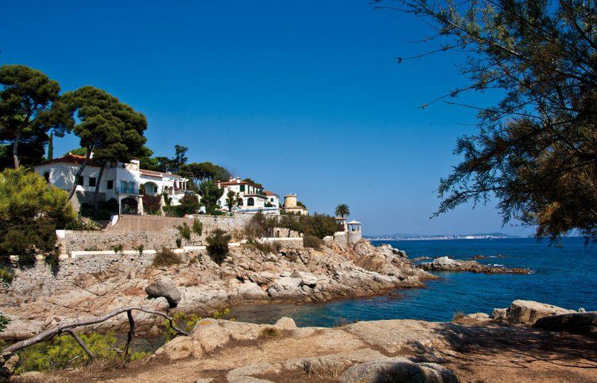 Luxusvillen mit Meerblick an der Costa Brava