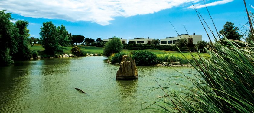 Golf Peralada See